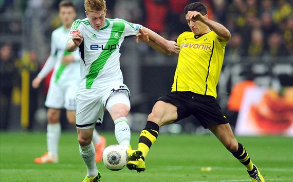 Wolfsburg's Kevin de Bruyne saw his tame free kick find its way into the Dortmund net.