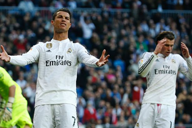 Bale misses. Ronaldo fumes
