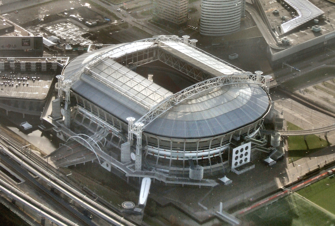 amsterdam_arena_roof_open.jpg
